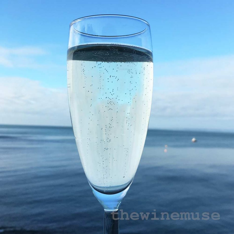 champagne-sea-wm