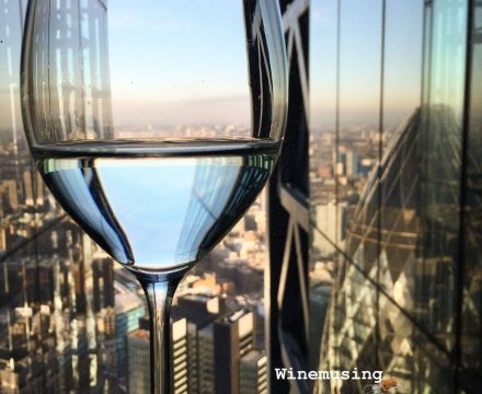 Glassware choices – what about stemless & other questions…